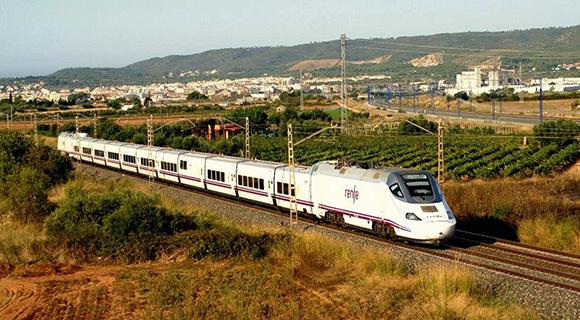 Llegan los refuerzos para los trenes entre Madrid y Cádiz