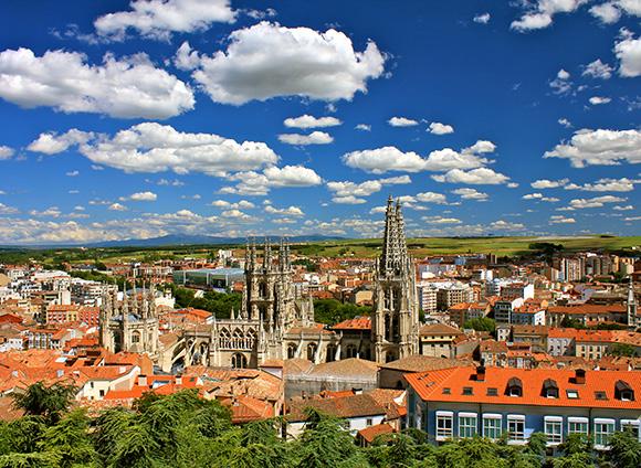 Haz un viaje barato en tren a Burgos en tus próximos días libres