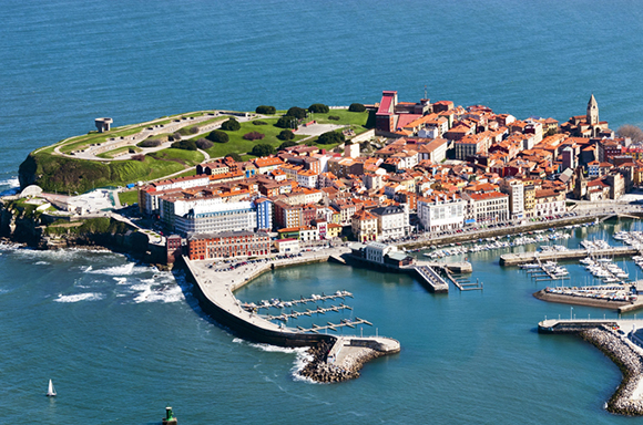 Conoce Gijón en noviembre comprando billetes baratos de tren