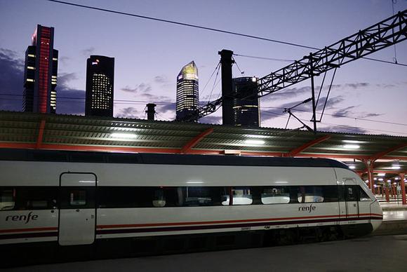 Convertidores para recuperar y reutilizar la energía que los trenes al frenar generan