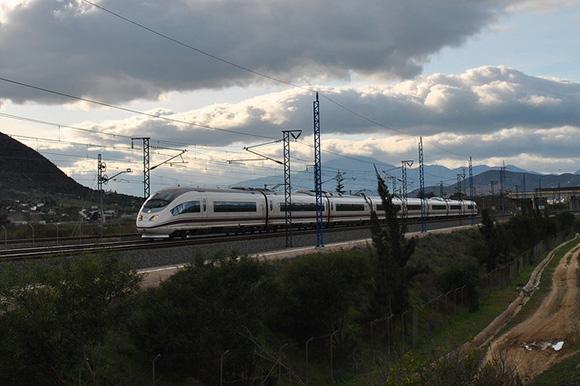 En julio 2018 los trenes Huelva Madrid se refuerzan