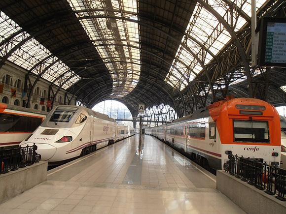 Algunos trenes llevarán la imagen promocional de Burgos en los cabezales de sus asientos hasta el mes de julio 2017