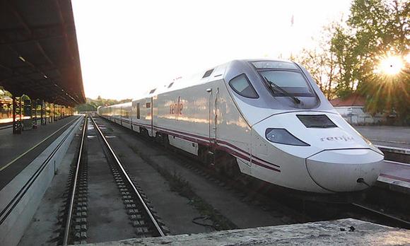 Se va a mejorar la línea de tren Palencia Santander 2018
