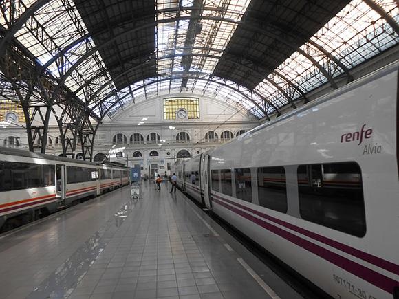 Aumenta la demanda de trenes Valencia Barcelona hasta 2019