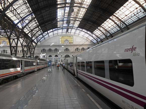 El trayecto de trenes Barcelona Valencia en diciembre 2019